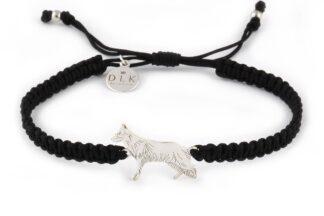 Kolekcja Rasy psów - Bransoletka z owczarkiem niemieckim srebrnym na czarnej makramie