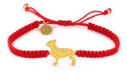 Kolekcja Rasy psów - Bransoletka z buldogiem francuskim złotym na czerwonej makramie