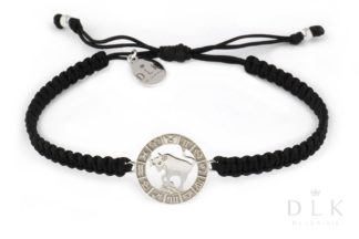 Bransoletka ze znakiem zodiaku BYK srebrny na czarnej makramie