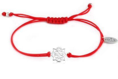 Bransoletka Czerwony sznurek z ozdobną rozetą srebrną