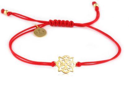 Bransoletka Czerwony sznurek z ozdobną rozetą złotą