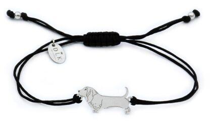 Bransoletka z psem bassetem srebrnym na czarnym sznurku