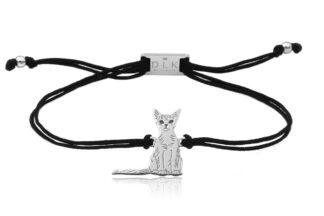 Bransoletka z kotem abisyńskim srebrnym na sznurku